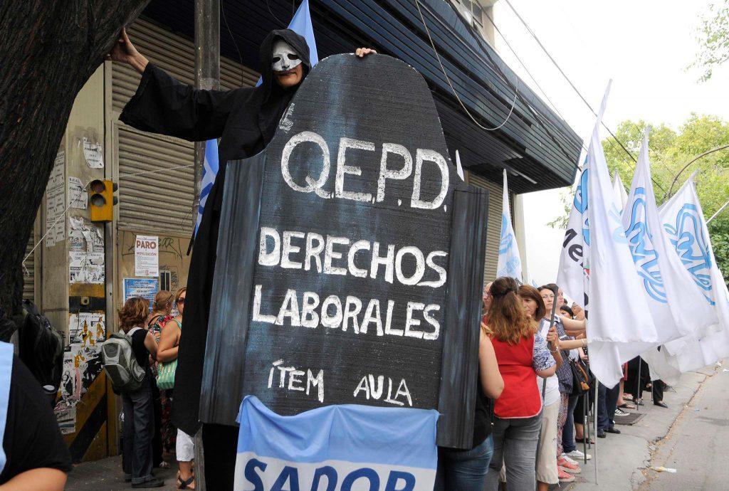 Protesta de docentes mendocinos. Febrero de 2016.