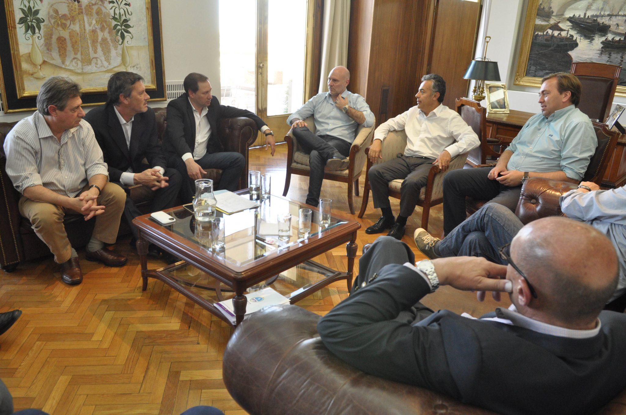 Reunión con intendentes y dirigentes del peronismo.